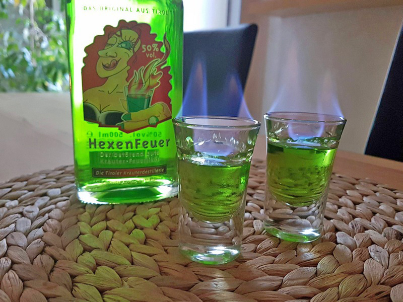 Hexenfeuer Die Tiroler Kräuterdestillerie