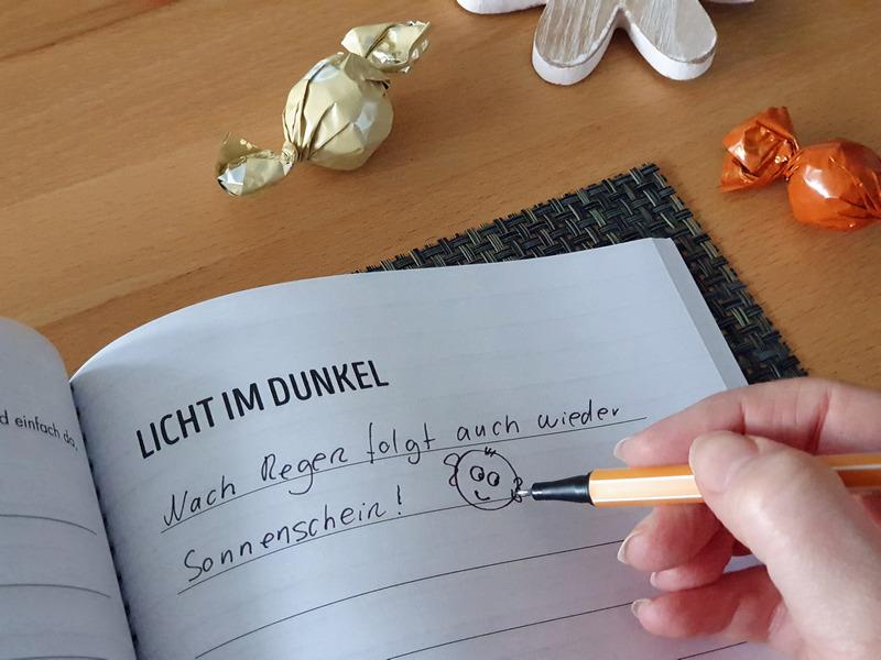 Glück Tagebuch Praxisheft Mach dein Leben einfach reicher