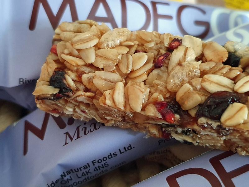 MadeGood Granola Riegel gemischte Beeren